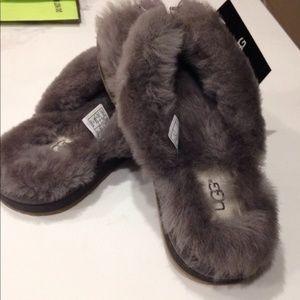 BNIB UGG Fuzzy Flip FLops